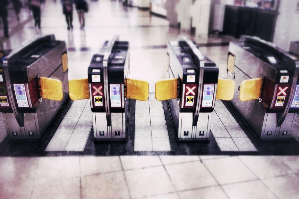 駅・改札イメージ